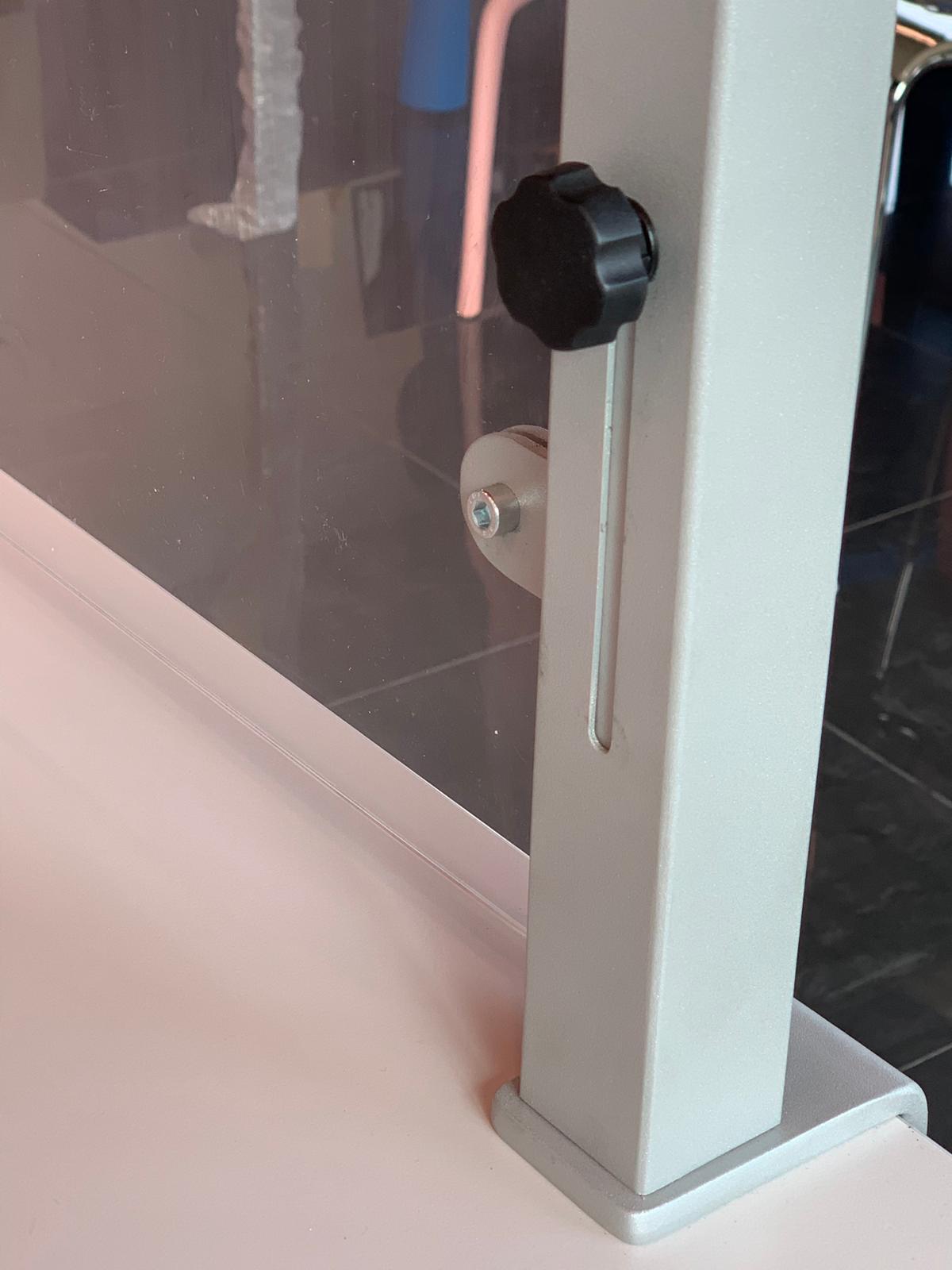 Divisori In Plexiglass Per Esterni vendita online schermi divisori di protezione in plexiglass